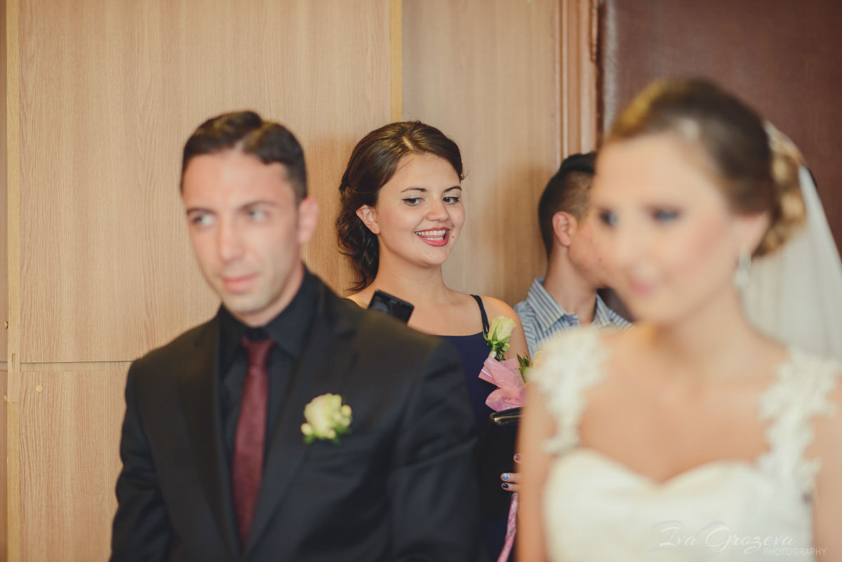 сватбен фотограф сватбена фотография софия ива грозева фотосесия сватбен фотограф цени сватбен блог малка сватба софия хотел централ парк hotel central park sofia сватба снимки народен театър софия сватбена фотосесия места за фотосесия на младоженци софия