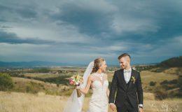 сватба-сватбен-фотограф-софия-варна-добър-сватбена-фотосесия-около-софия-резиденция-тера-изнесен-ритуал (18)