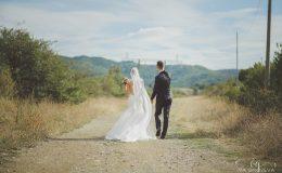 сватба-сватбен-фотограф-софия-варна-добър-сватбена-фотосесия-около-софия-резиденция-тера-изнесен-ритуал (24)