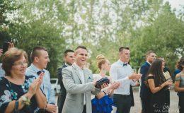 сватба-сватбен-фотограф-софия-варна-добър-сватбена-фотосесия-около-софия-резиденция-тера-изнесен-ритуал (41)