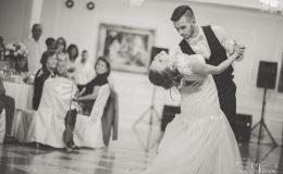сватба-сватбен-фотограф-софия-варна-добър-сватбена-фотосесия-около-софия-резиденция-тера-изнесен-ритуал (58)