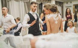 сватба-сватбен-фотограф-софия-варна-добър-сватбена-фотосесия-около-софия-резиденция-тера-изнесен-ритуал (72)