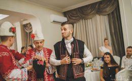 сватба-сватбен-фотограф-софия-варна-добър-сватбена-фотосесия-около-софия-резиденция-тера-изнесен-ритуал (78)