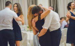 сватба-сватбен-фотограф-софия-варна-добър-сватбена-фотосесия-около-софия-резиденция-тера-изнесен-ритуал (81)