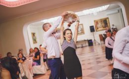сватба-сватбен-фотограф-софия-варна-добър-сватбена-фотосесия-около-софия-резиденция-тера-изнесен-ритуал (89)