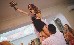 сватба-сватбен-фотограф-софия-варна-добър-сватбена-фотосесия-около-софия-резиденция-тера-изнесен-ритуал (93)