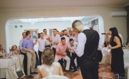 сватба-сватбен-фотограф-софия-варна-добър-сватбена-фотосесия-около-софия-резиденция-тера-изнесен-ритуал (94)