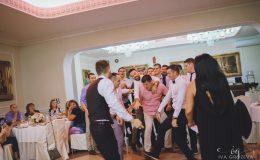 сватба-сватбен-фотограф-софия-варна-добър-сватбена-фотосесия-около-софия-резиденция-тера-изнесен-ритуал (95)